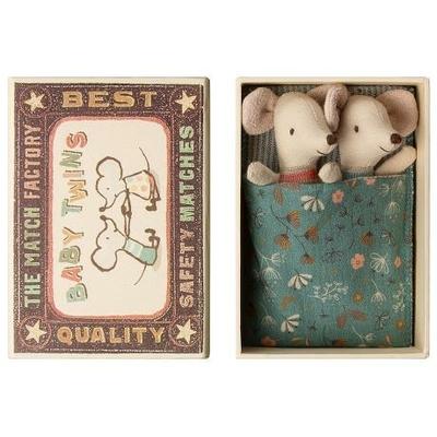 Jumeaux Souris Maileg : bébés souris dans leur boîte d'allumettes avec couverture bleue
