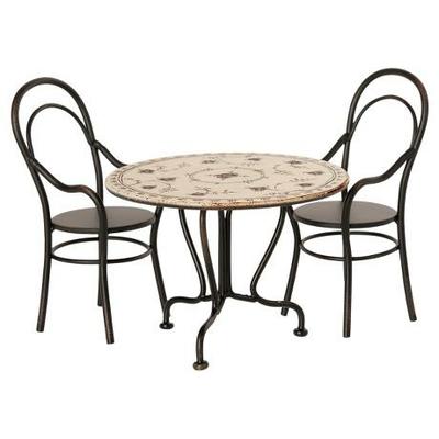 Table et chaises pour les petites souris Maileg