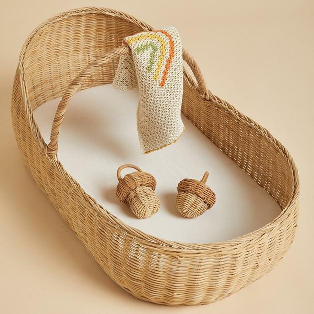 OE-Lyra-Moses-Basket-Rattles-Blanket_1024x1024