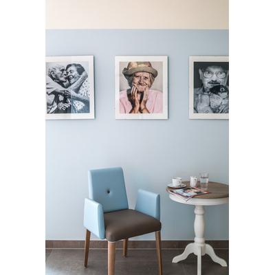 Fauteuil tapissé PIN pieds hêtre massif pour salle d'attente ou restaurant