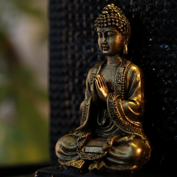 bouddha-en-meditation-or-dore-pi-17723-sbm-2or-1492865978
