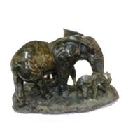 Eléphant et ses petits en labradorite