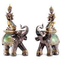 Duo de divinités Thai sur éléphants
