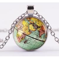 Collier Globe terrestre feng shui
