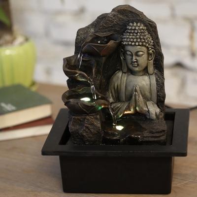 Fontaine du Bouddha en prière