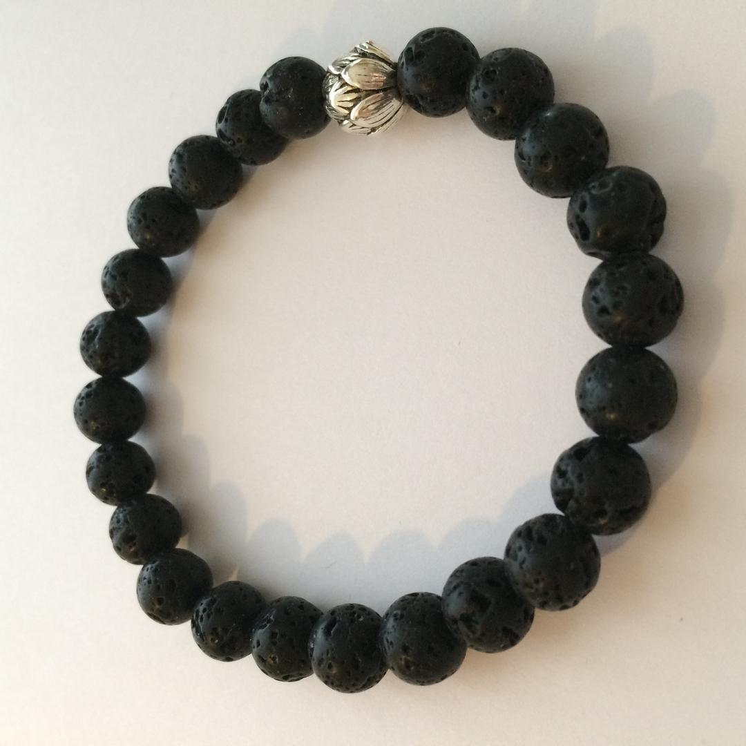 Bracelet porte bonheur mala en pierre de lave force for Porte zen fuji
