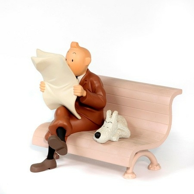Hergé - Figurine Tintin sur le banc - Moulinsart 2001
