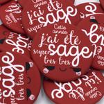 6-Badge-Enfant-Sage-Rouge-Ticky-Tacky