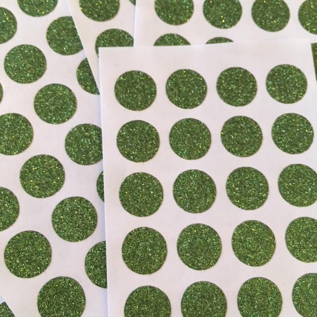 Glitter - 24 petits oeillets paillettes vertes