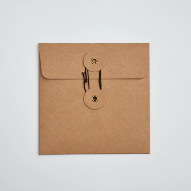 Carré - 1 enveloppe en carton