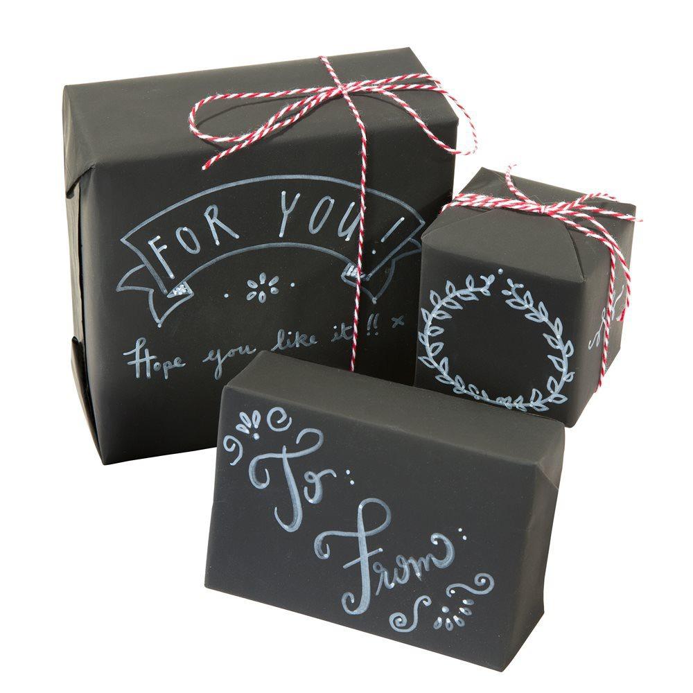 kit d 39 emballage cadeau papier ardoise feutre craie et ficelle papiers papier cadeau la. Black Bedroom Furniture Sets. Home Design Ideas