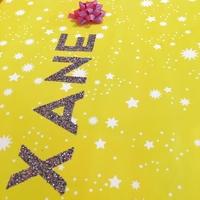 """""""Rouleau"""" - Papier cadeau jaune et étoiles"""