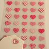 """""""Coeur"""" - Planche de 35 oeillets coeurs roses"""