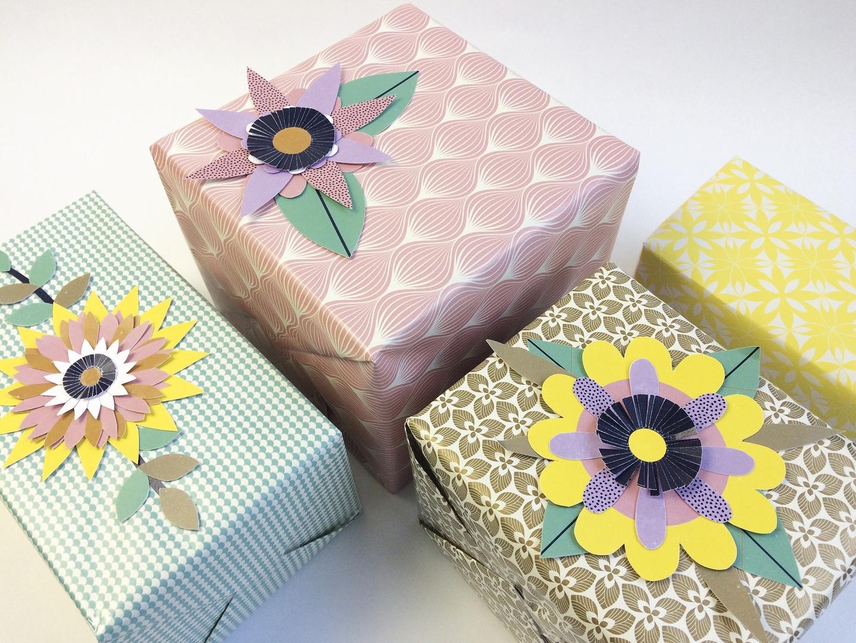 """Decoration De Paquets Cadeaux """"fleurs"""" - kit paquet cadeau"""
