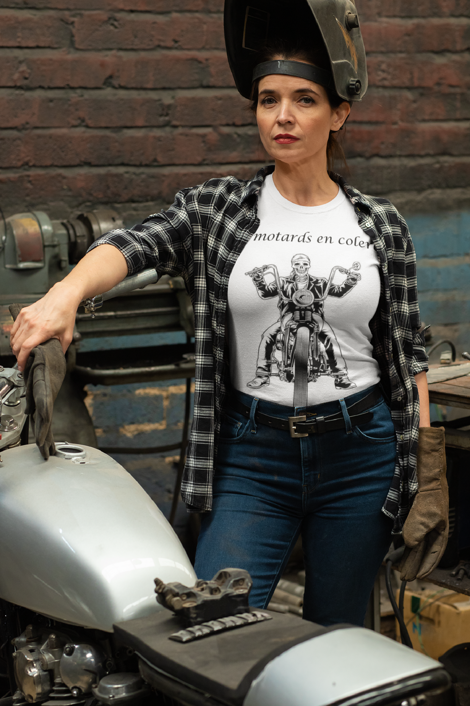 t-shirt-mockup-of-a-woman-repairing-her-motorcycle-31798