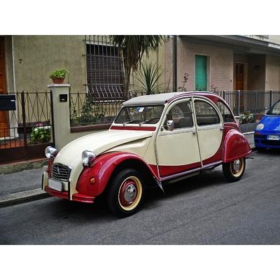 2 CV Citroën Charleston Jaune