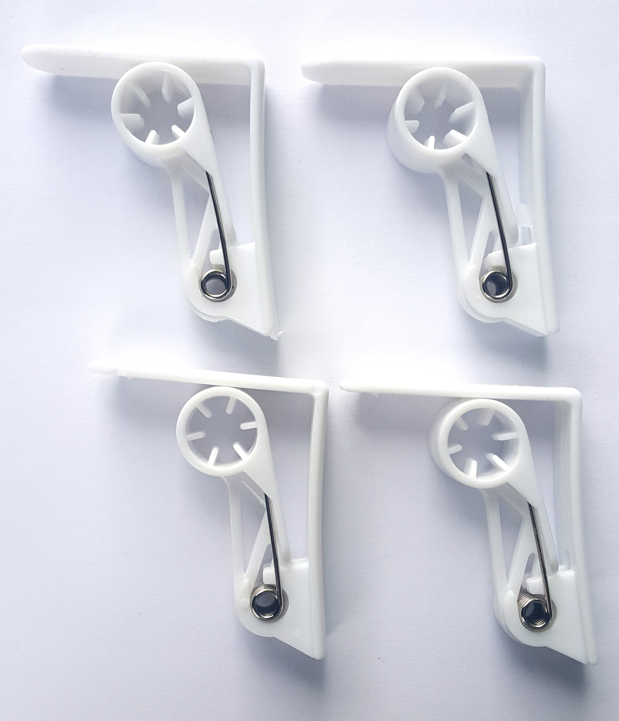 Pinces à nappe 4 pièces
