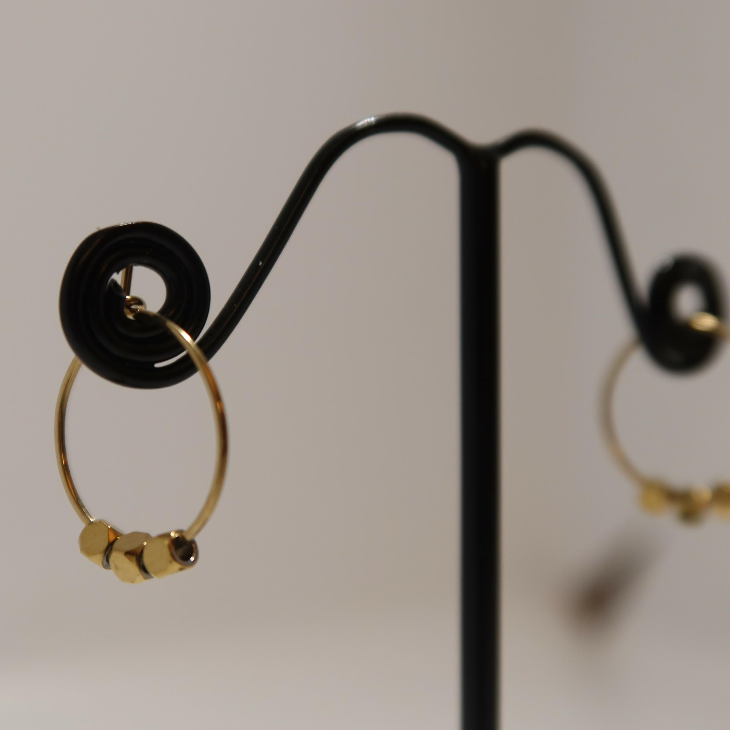 Boucles d\'oreilles dorées - IVO