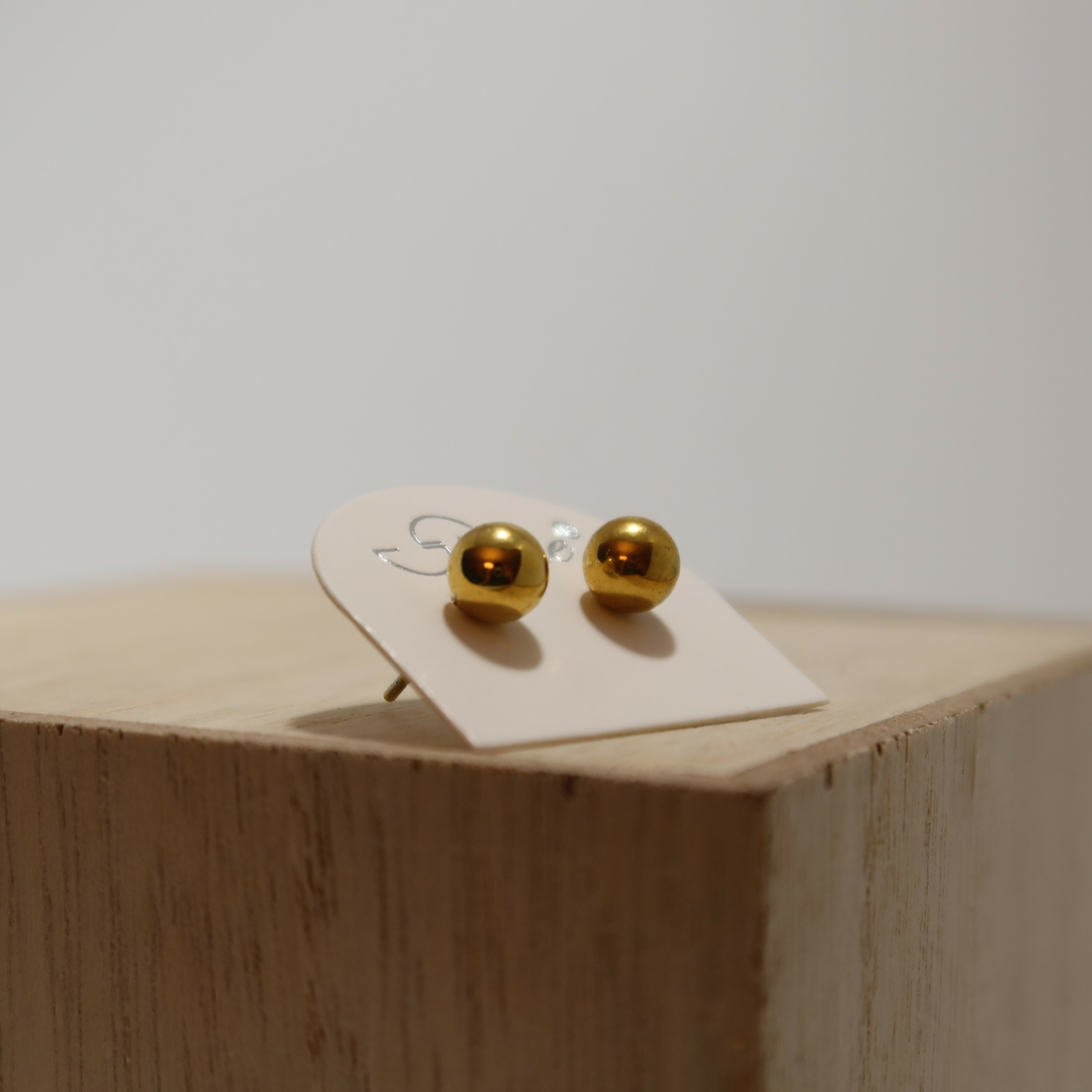 Boucles d\'oreilles puces acier - BOULE