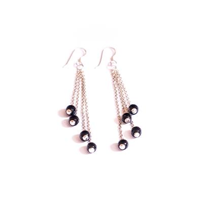 Boucles d'oreilles cascades perles noires