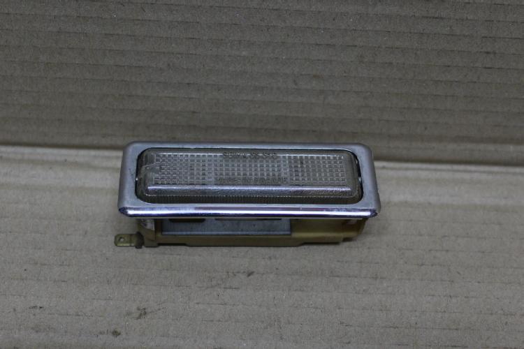 lampe interieur renault 20 30 renault auto pi ces anciennes. Black Bedroom Furniture Sets. Home Design Ideas