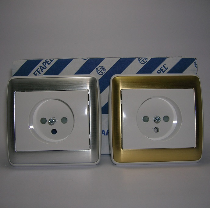 Prise de courant 2P+T sirius70 Métal - Inox ou Or avec enjoliveur blanc