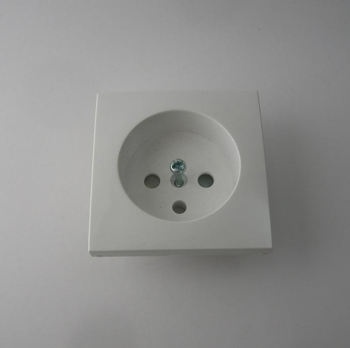 Enjoliveur Prise de courant 2P+T LOGUS90