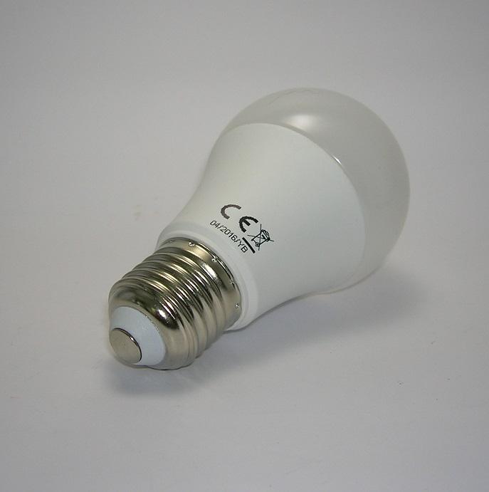 Ampoule LED A60 SMD 8W 3000 kelvin
