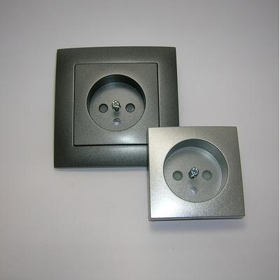 Prise de courant avec Terre Grise ou Alumine Logus90