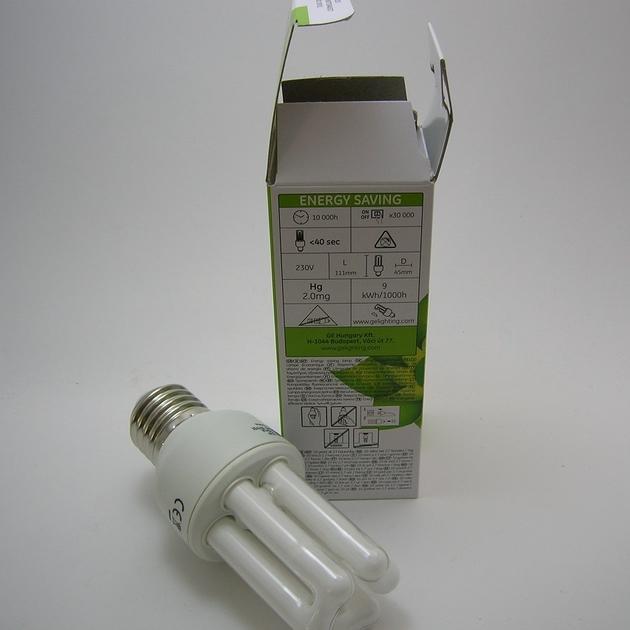 Ampoule Fluocompacte GE E27 9W-1