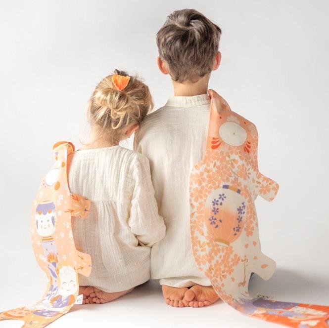 MADAME MO coffret cadeau de naissance koinoboris lampion et kokeshi