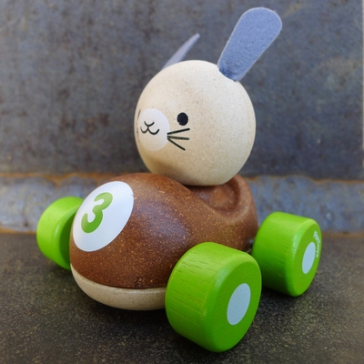 PLAN TOYS Bunny lapin de course en bois