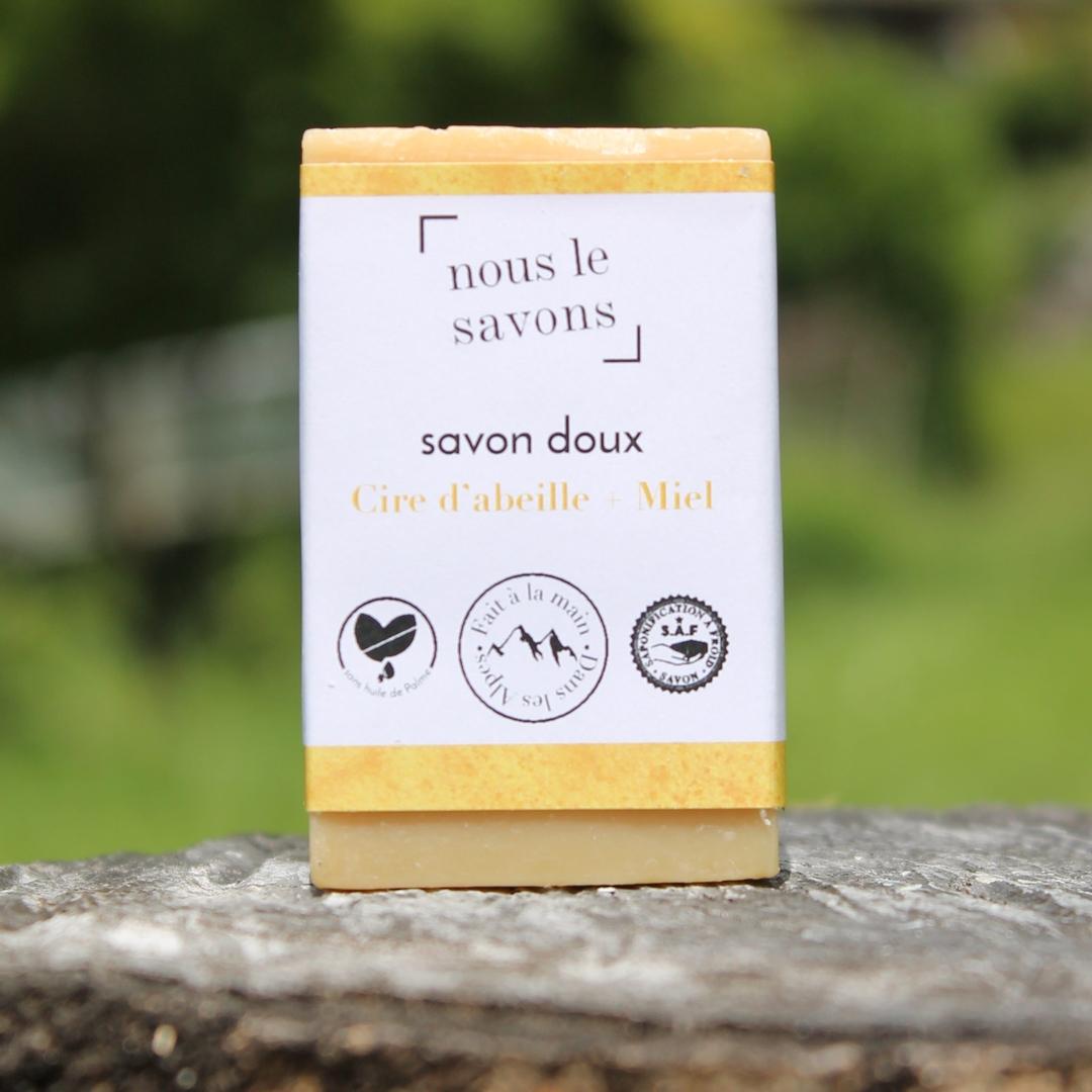savon doux cire d'abeille et miel