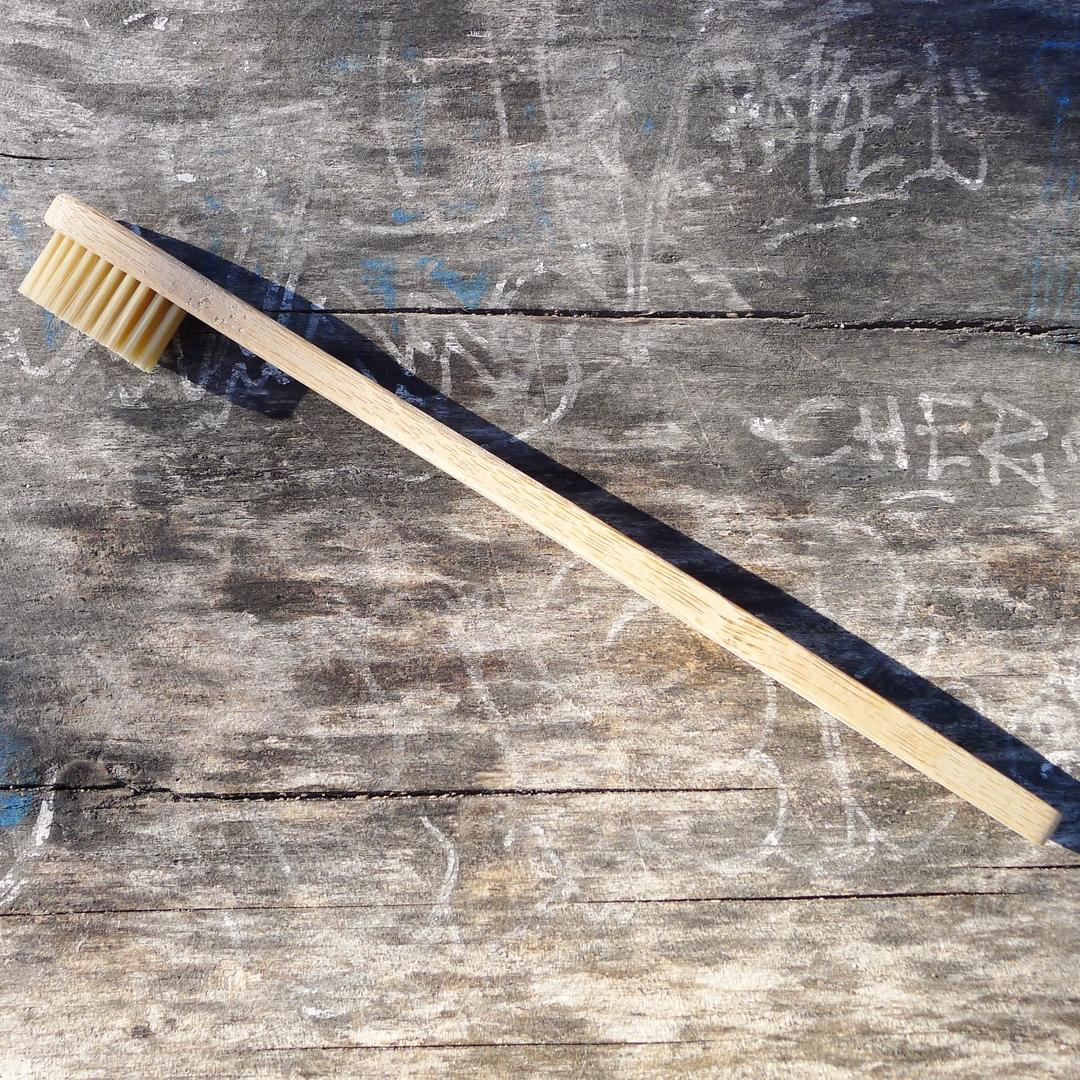 CURANATURA brosse à dents bambou adulte extra souple (2)