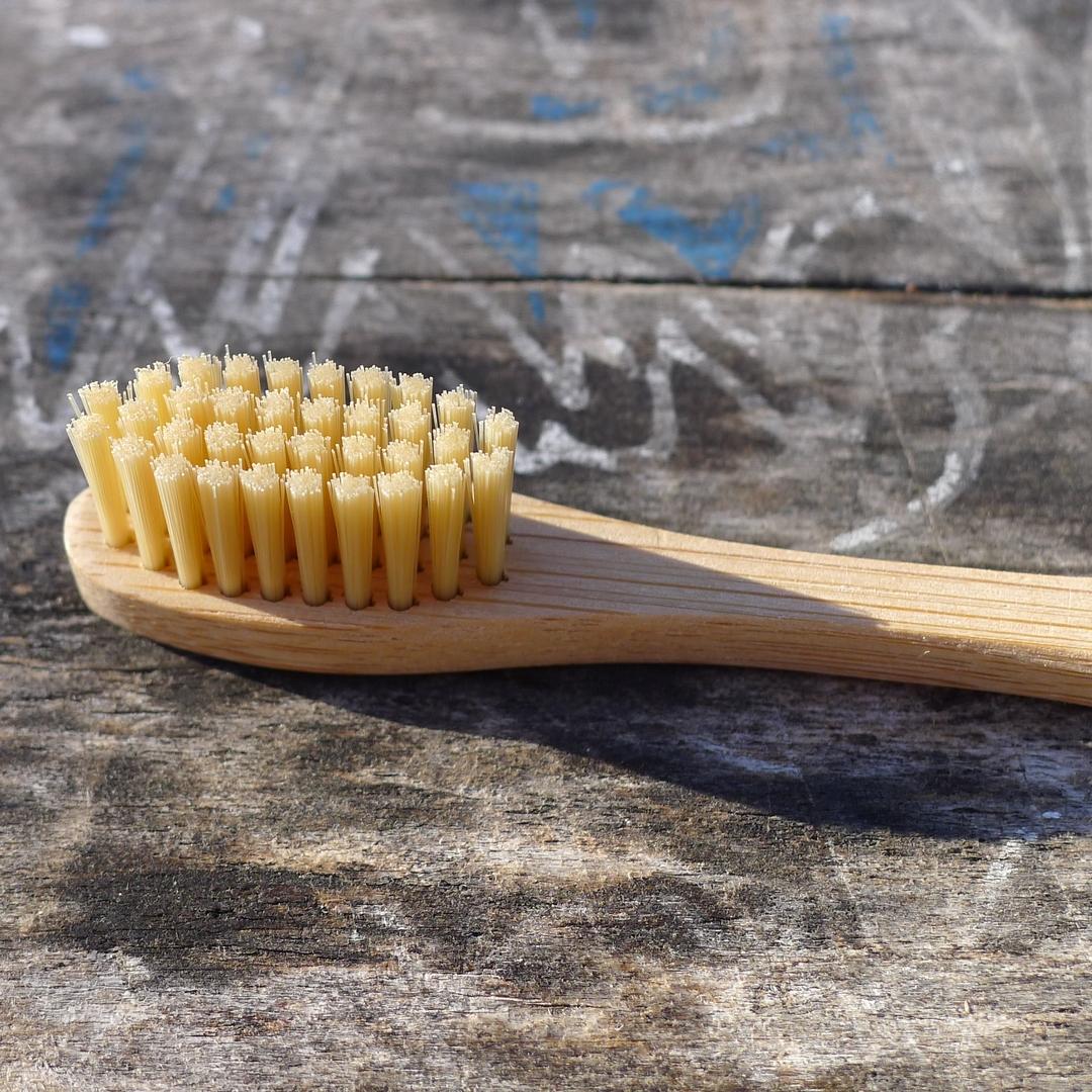 CURANATURA brosse à dents bambou adulte extra souple (3)