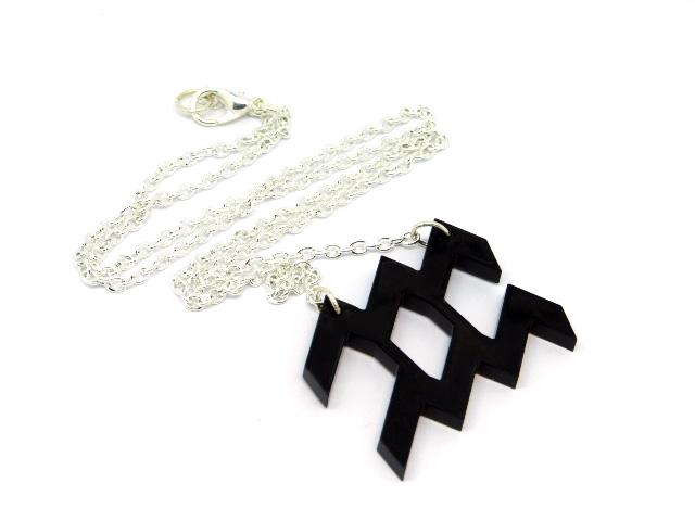 Aquarius-Necklace-right