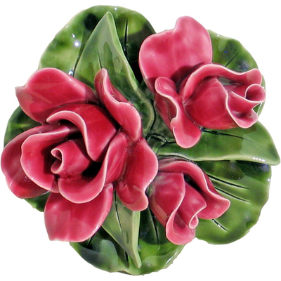 Fleurs céramique socle boutons de roses rose vif