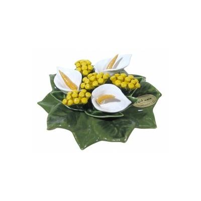 Fleurs céramique socle arums blancs mimosa