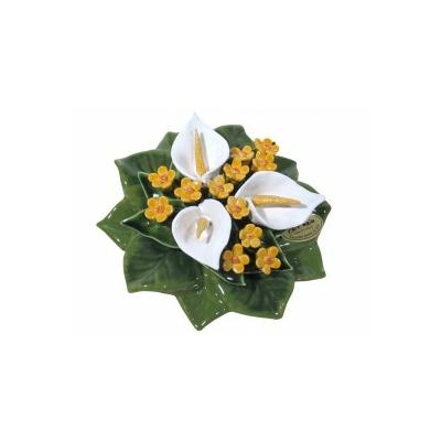 Fleurs céramique socle arums blancs gypsophile jaune