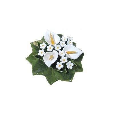 Fleurs céramique socle arums blancs gypsophile blanc
