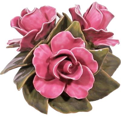Fleurs céramique dessus de vases roses
