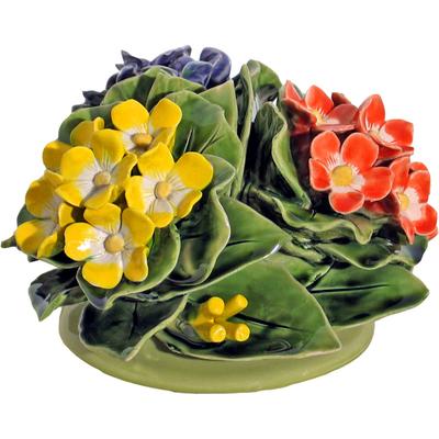 Fleurs céramique dessus vases primeveres