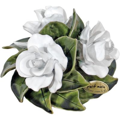 Fleurs ceramique dessus de vases bouquet roses blanc