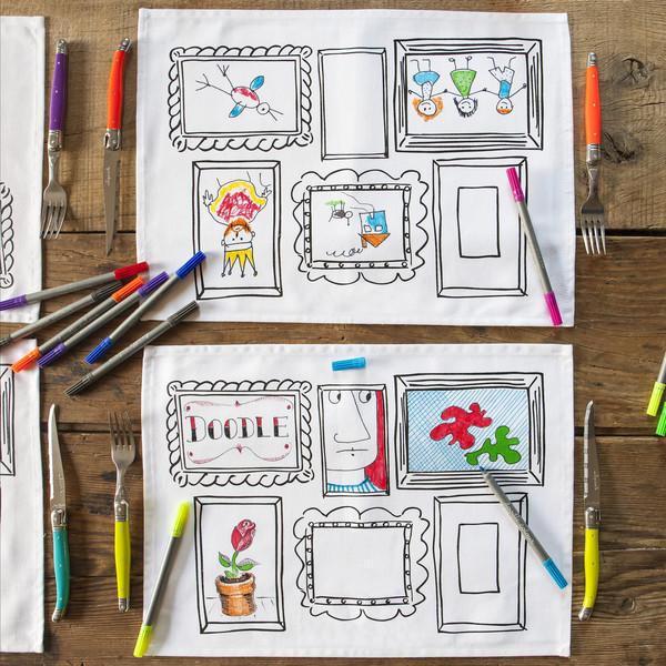 4 sets de table à colorier, effaçables