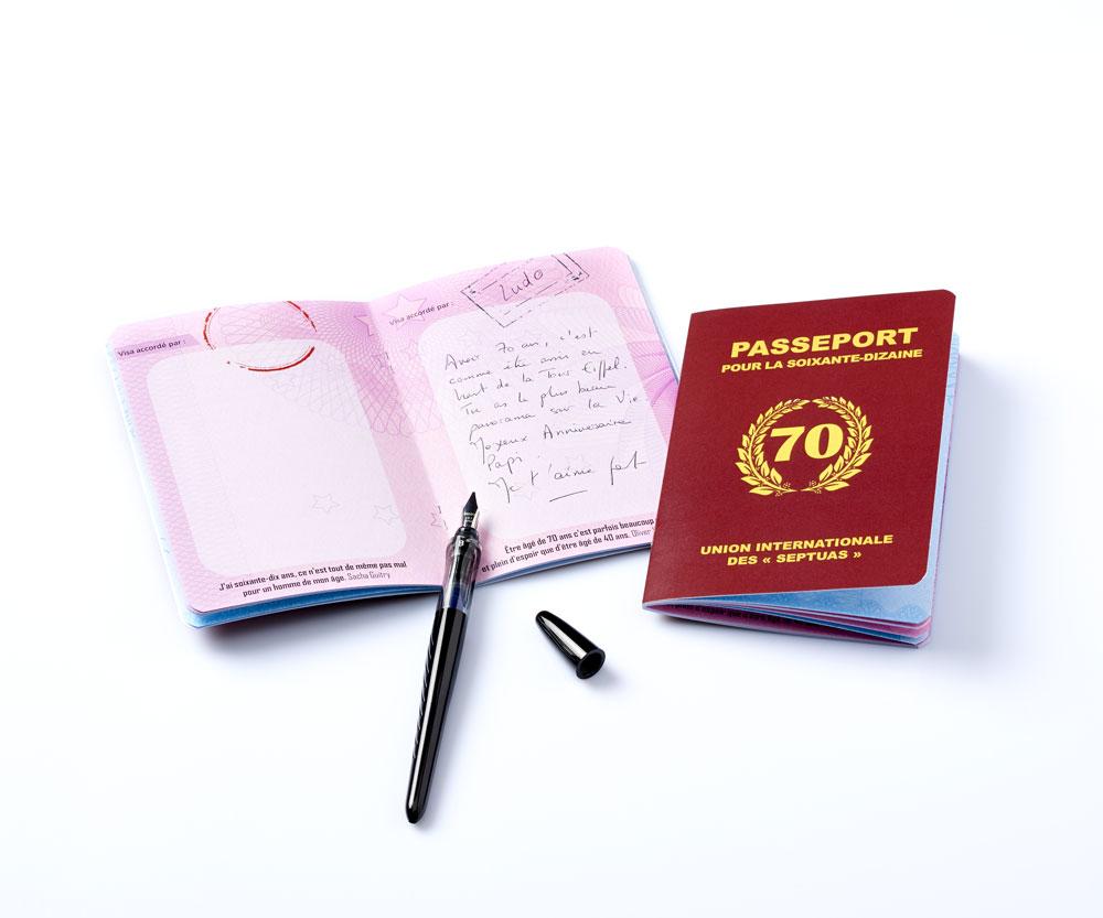 livre d 39 or passeport pour la soixante dizaine. Black Bedroom Furniture Sets. Home Design Ideas