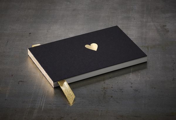 carnet livre d or coeur noir