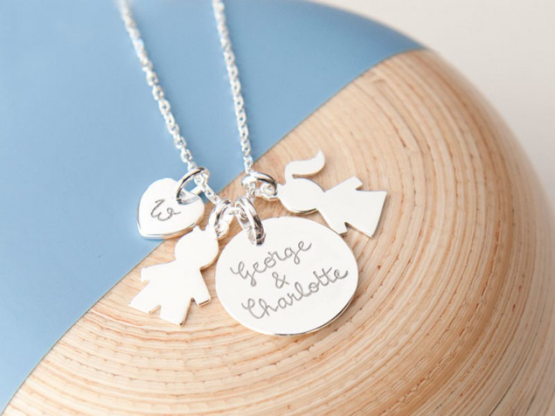 collier-personnalise-charm