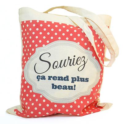 souriez a rend plus beau tote bag. Black Bedroom Furniture Sets. Home Design Ideas