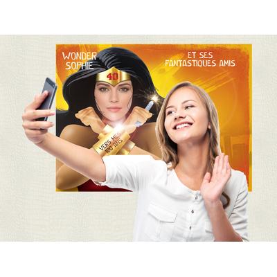 """Affiche d'anniversaire """"Super-héroïne"""" personnalisée (photobooth et livre d'or)"""