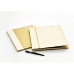 Livre d'or avec couverture dorée
